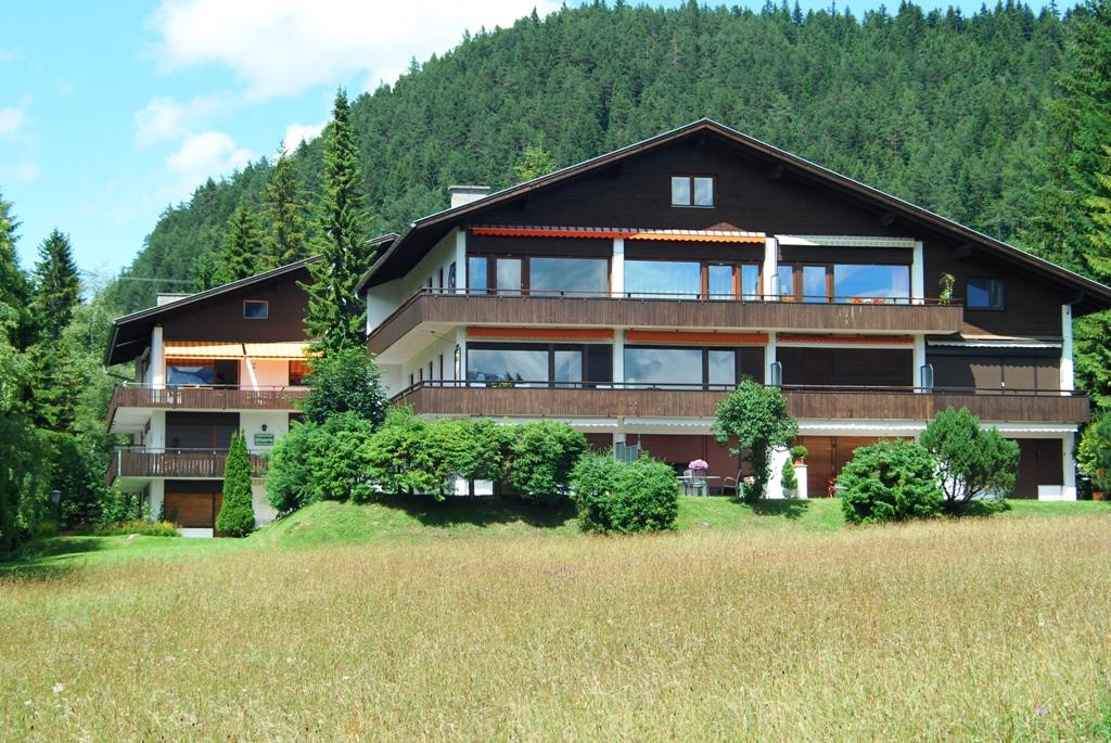 Berghaus Tirol im Sommer